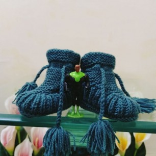 Woollen Shoes For Baby With Handmade Baby Wool Yarn.